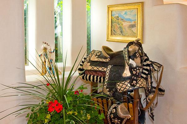 Classic Santa Fe Interior Design Accessories